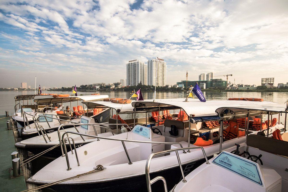 Les Rives modern speedboat