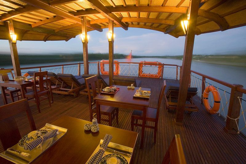 Mekong Delta 3 Days Tour Dining Deck