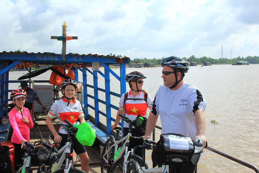 Mekong Delta 3 day tour by boat and bicycle 2