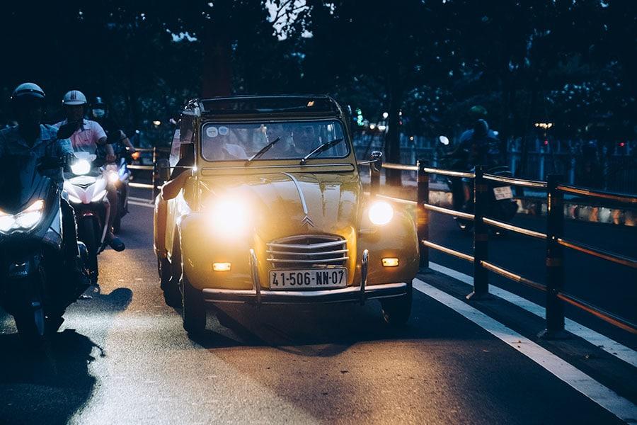 Saigon night tour by 2cv car