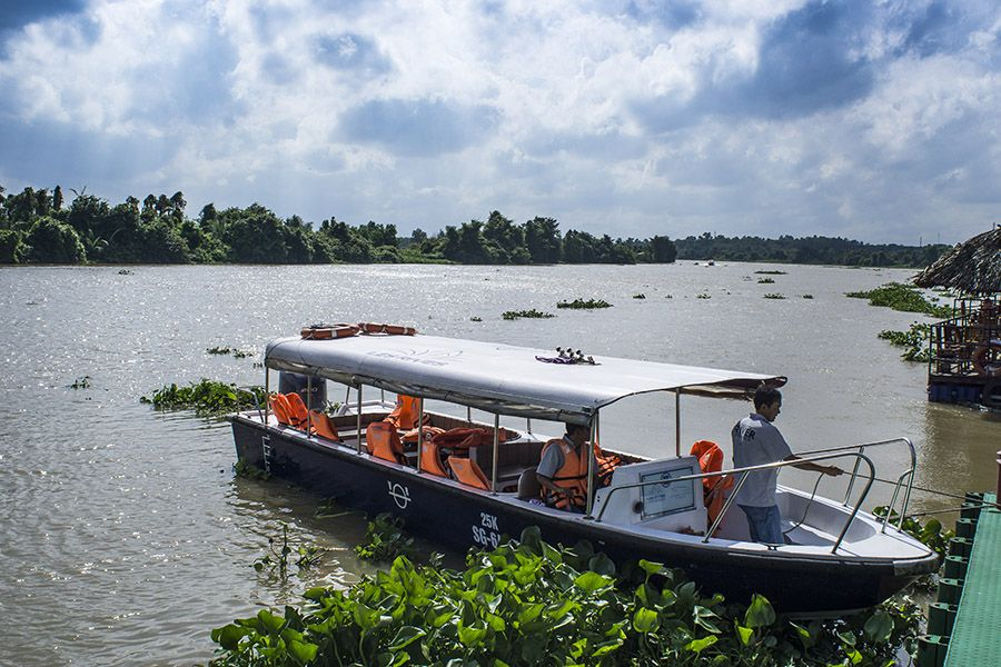 Speedboat tour to Cu Chi Tunnels