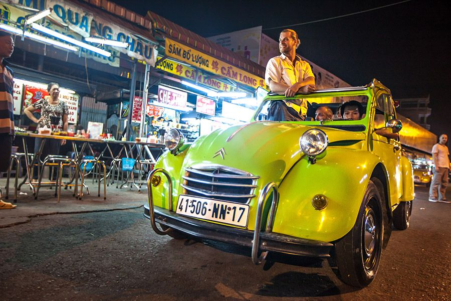 Saigon by Night Tour by 2CV car