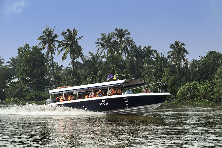 Les Rives speedboat to Cu Chi Tunnels