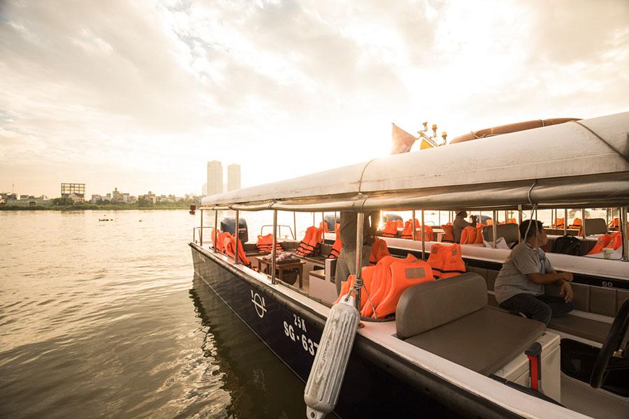 luxury saigon river tours by speedboat