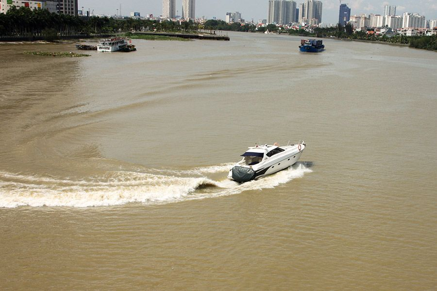 luxury_yacht_saigon_river