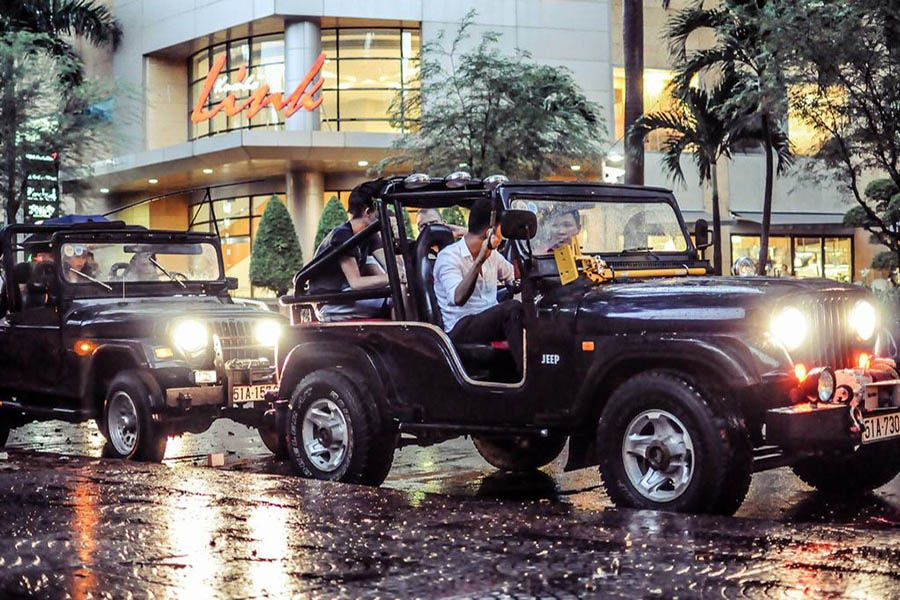 Saigon Jeep CIty Tour